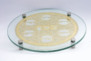 High-quality glass seder plate