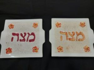 matza Decorated matza plate made of ceramic
